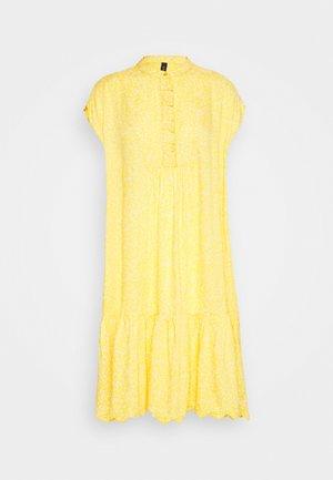 YASJANICE DRESS - Freizeitkleid - citrus