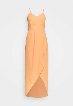 YASVADUZ STRAP DRESS SHOW - Vestido largo - cantaloupe