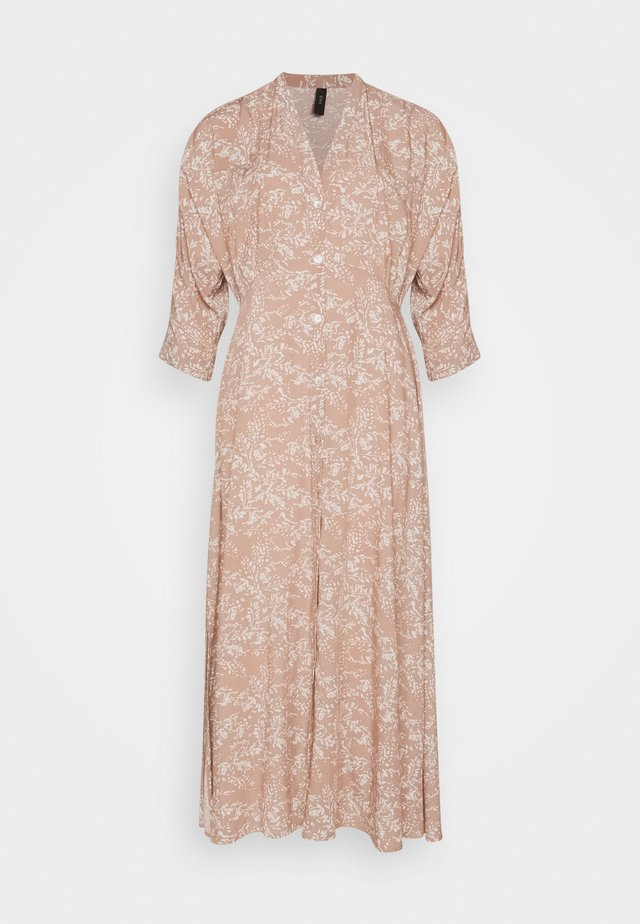 YASCORNA LONG DRESS - Blusenkleid - tawny brown