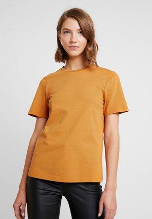 YASSARITA NECK TEE ICONS - T-shirts basic - sudan brown