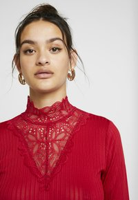 YAS - YASBLACE HIGHNECK  - T-shirt à manches longues - chili pepper - 3