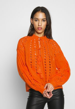 YASRINA FEST - Blouse - russet orange