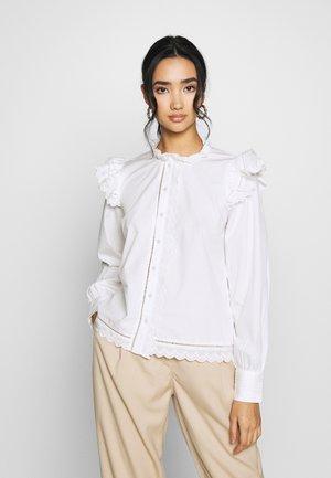 YASCHLOEL - Skjorte - star white