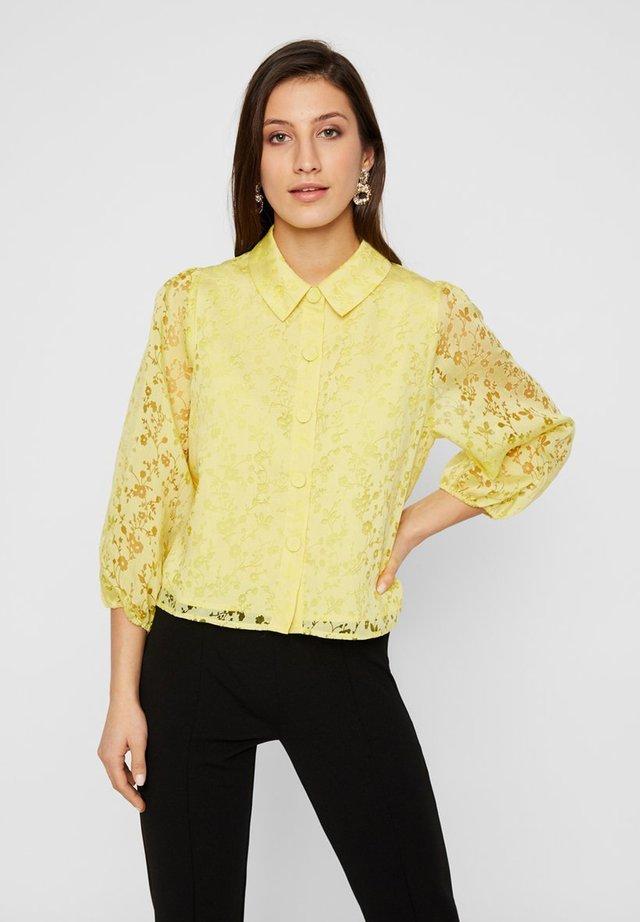 MIT 3/4-ÄRMELN YASBEGONIA - Button-down blouse - limelight