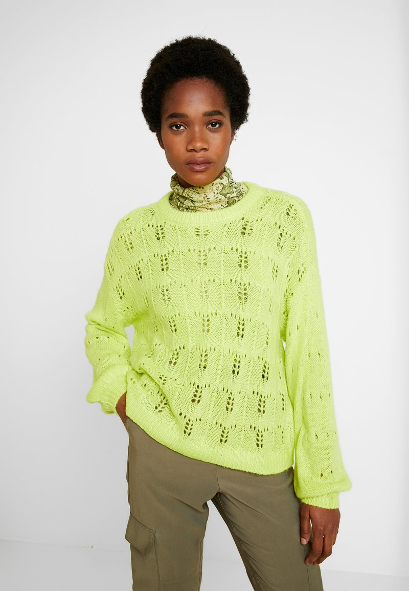 YAS - YASDUSANA KNIT  - Trui - neon green