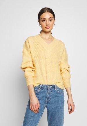 YASSIRIFINA - Pullover - golden haze