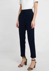 YAS - YASCLADY SPRING CROPPED PANT - Pantaloni - dark sapphire - 0