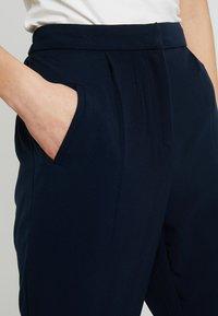 YAS - YASCLADY SPRING CROPPED PANT - Pantaloni - dark sapphire - 3
