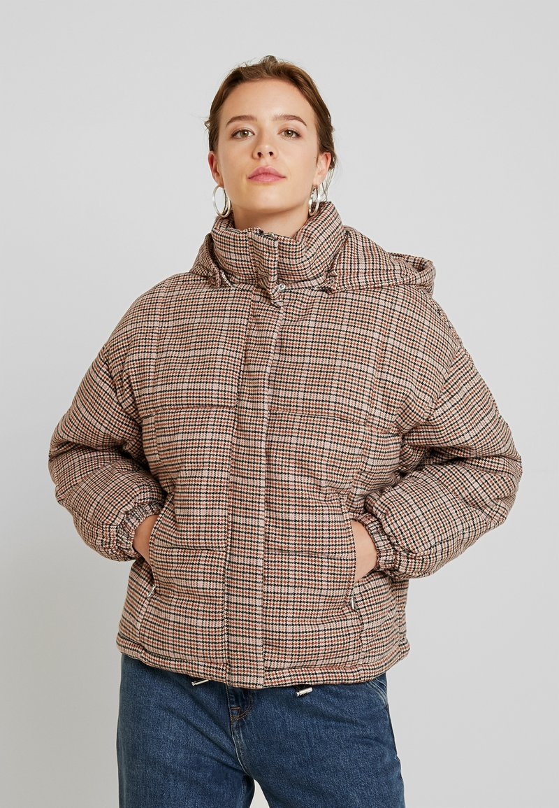YAS - YASWALSH SHORT JACKET - Winterjacke - almondine
