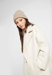 YAS - YASMARGIT LONG COAT - Zimní kabát - white swan - 5