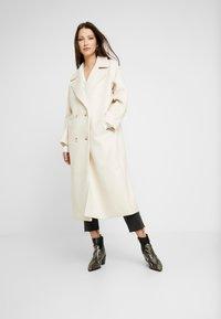 YAS - YASMARGIT LONG COAT - Zimní kabát - white swan - 0