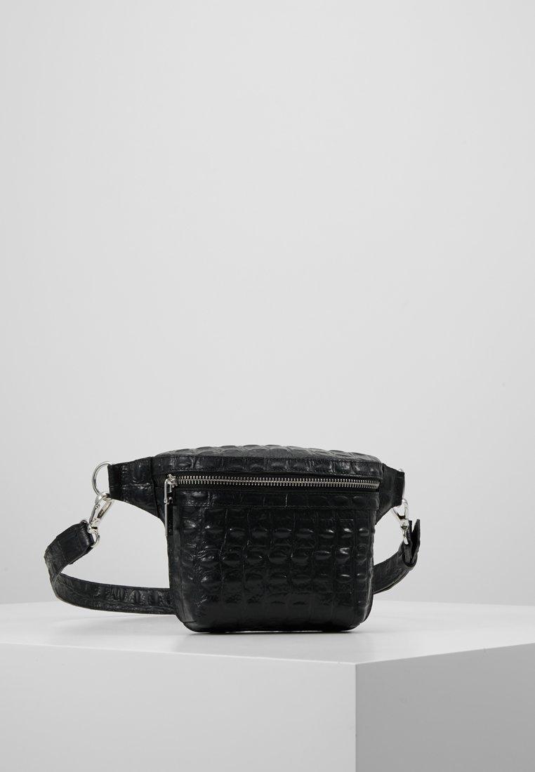 YAS - YASCAIRO BELT BAG - Gürteltasche - black