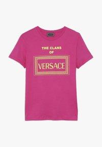 Versace - CORTA REGULAR - Triko spotiskem - fuxia - 0