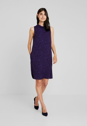 QUILVE FLORAL - Robe d'été - vivid violet