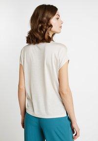 someday. - KUSANA - T-shirts basic - ivory - 2
