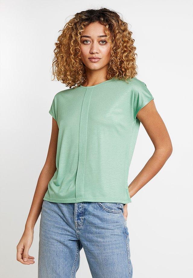 KUSANA - T-Shirt basic - fresh mint