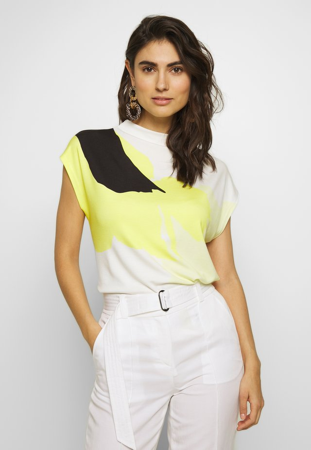 KOWA FLEUR - Print T-shirt - lime