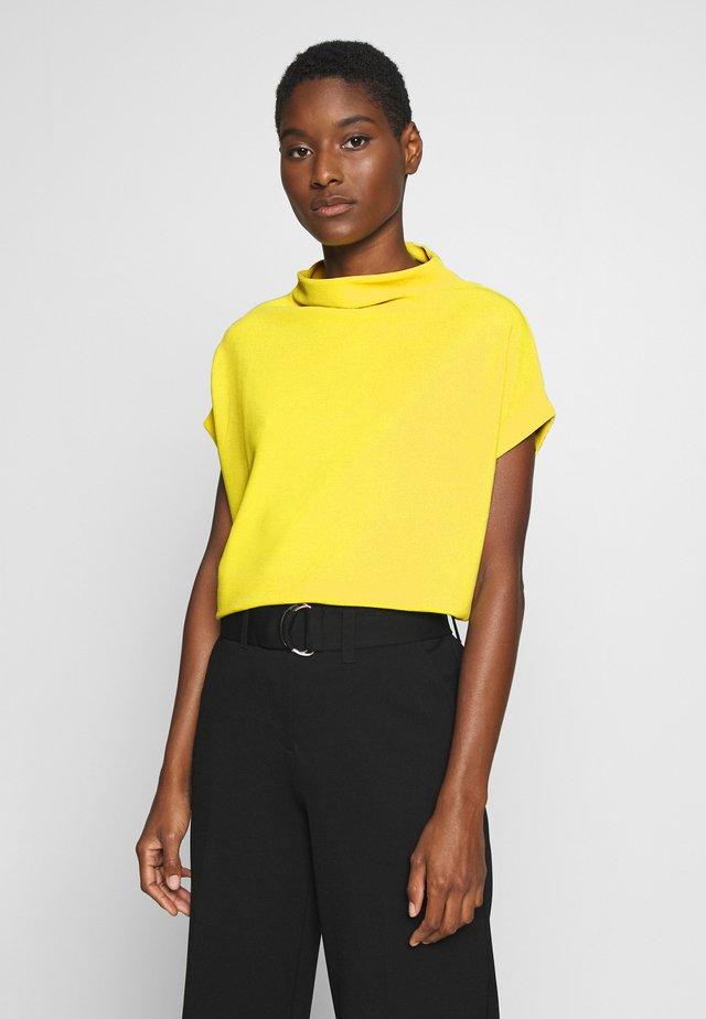 KITTUA TEXTURE - Basic T-shirt - lime