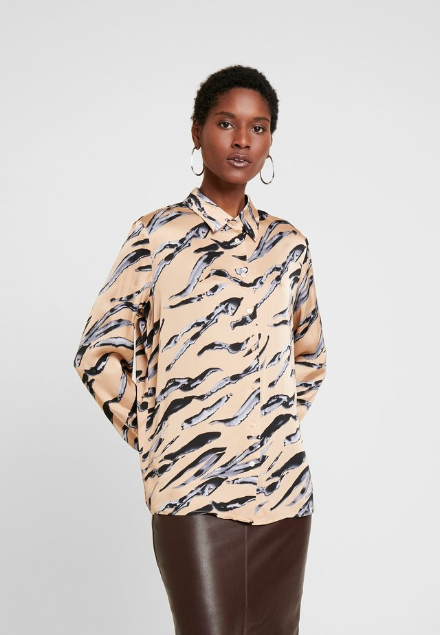 ZUMERA NATURAL LINES - Button-down blouse - golden milk