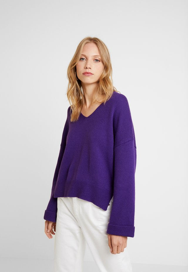 TIBBY - Strickpullover - vivid violet