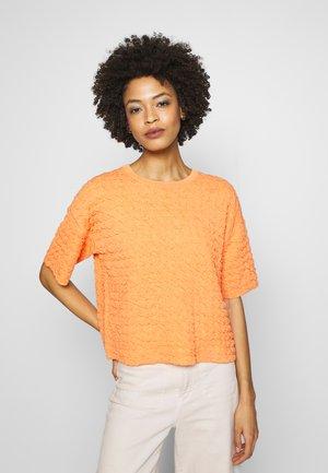 TENLEY - Trui - silky orange