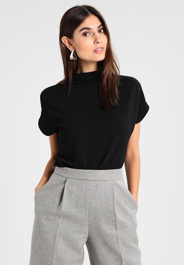 KITTUA - Basic T-shirt - black