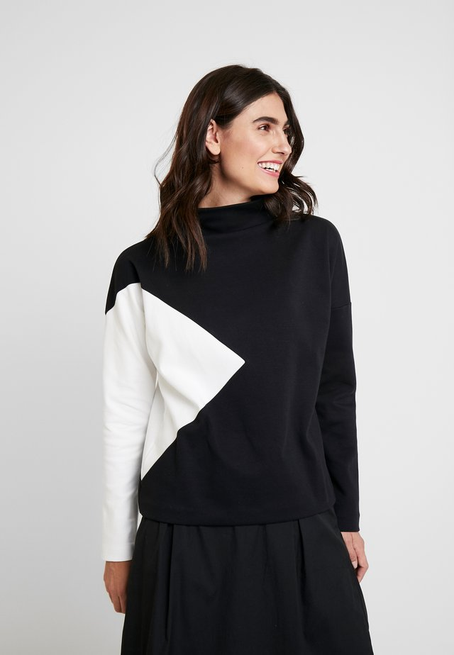 UMEGA - Long sleeved top - black