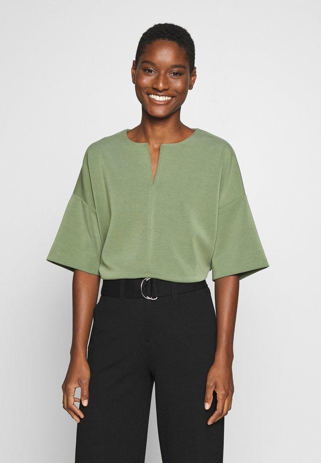 UBAK - T-Shirt print - garden green