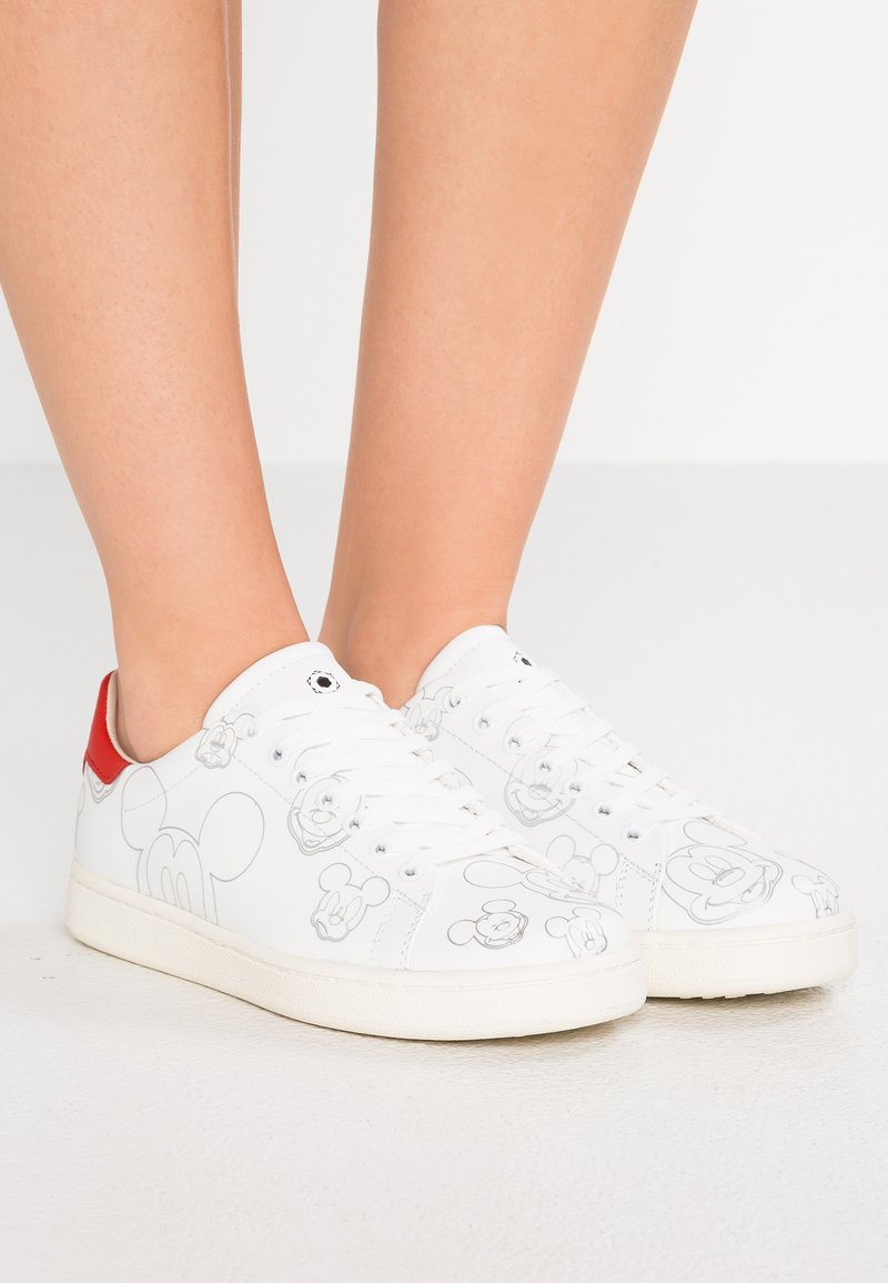 MOA - Master of Arts - DISNEY - Trainers - gallery white