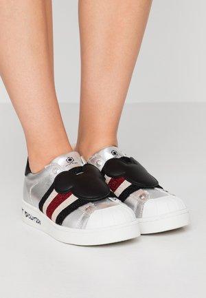 Nazouvací boty - braker silver