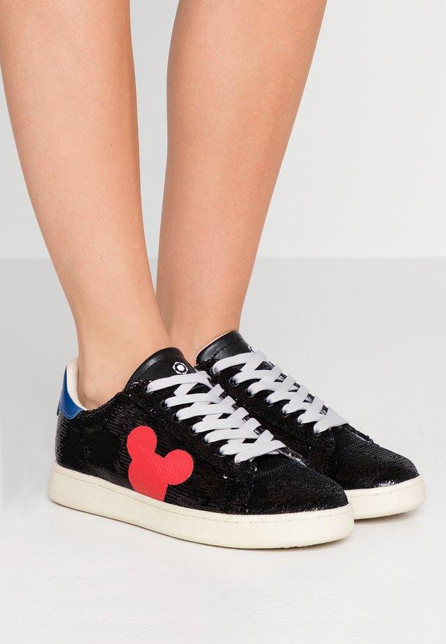 Sneakers - black/red