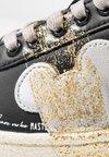 MOA - Master of Arts - Sneaker low - granmaster black/gold glitter