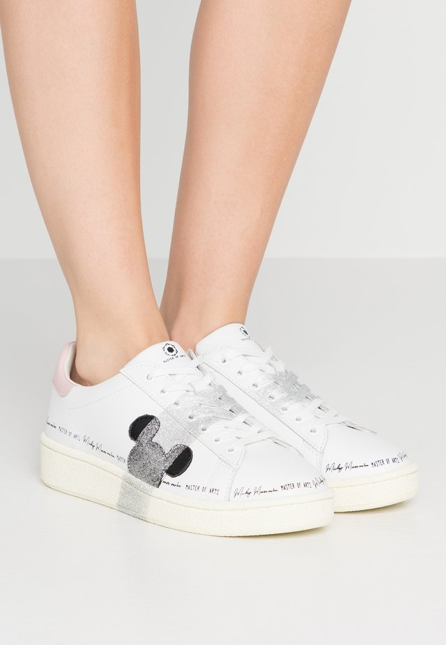 GRAND MASTER WHITE SILVER GLITTER - Sneaker low - white/silver glitter