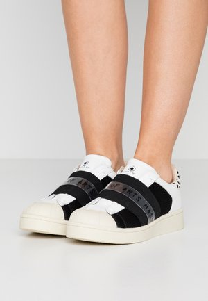 Loaferit/pistokkaat - breaker white/black