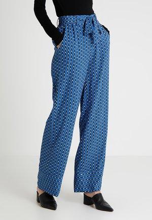 YASLULLA PANT - Bukse - blue/white