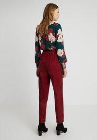 YAS Tall - YASCUPRA PANT  - Trousers - cabernet - 3