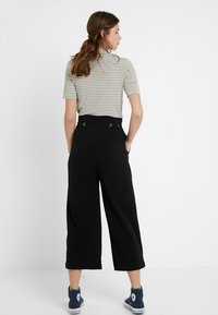 YAS Tall - YASEYLA CULOTTE - Trousers - black - 2
