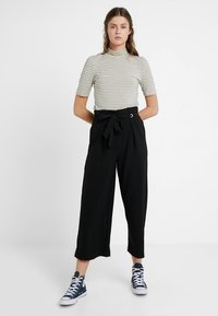 YAS Tall - YASEYLA CULOTTE - Trousers - black - 1