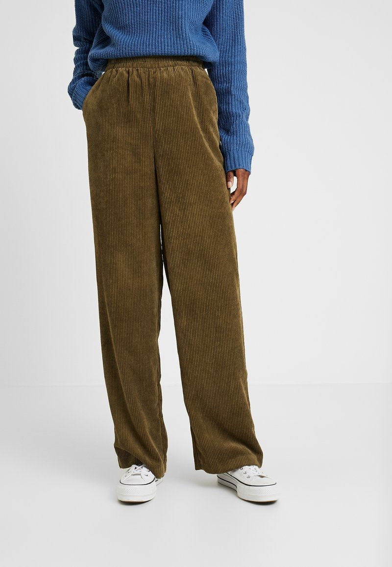 YAS Tall - YASROYA PANT - Trousers - military olive