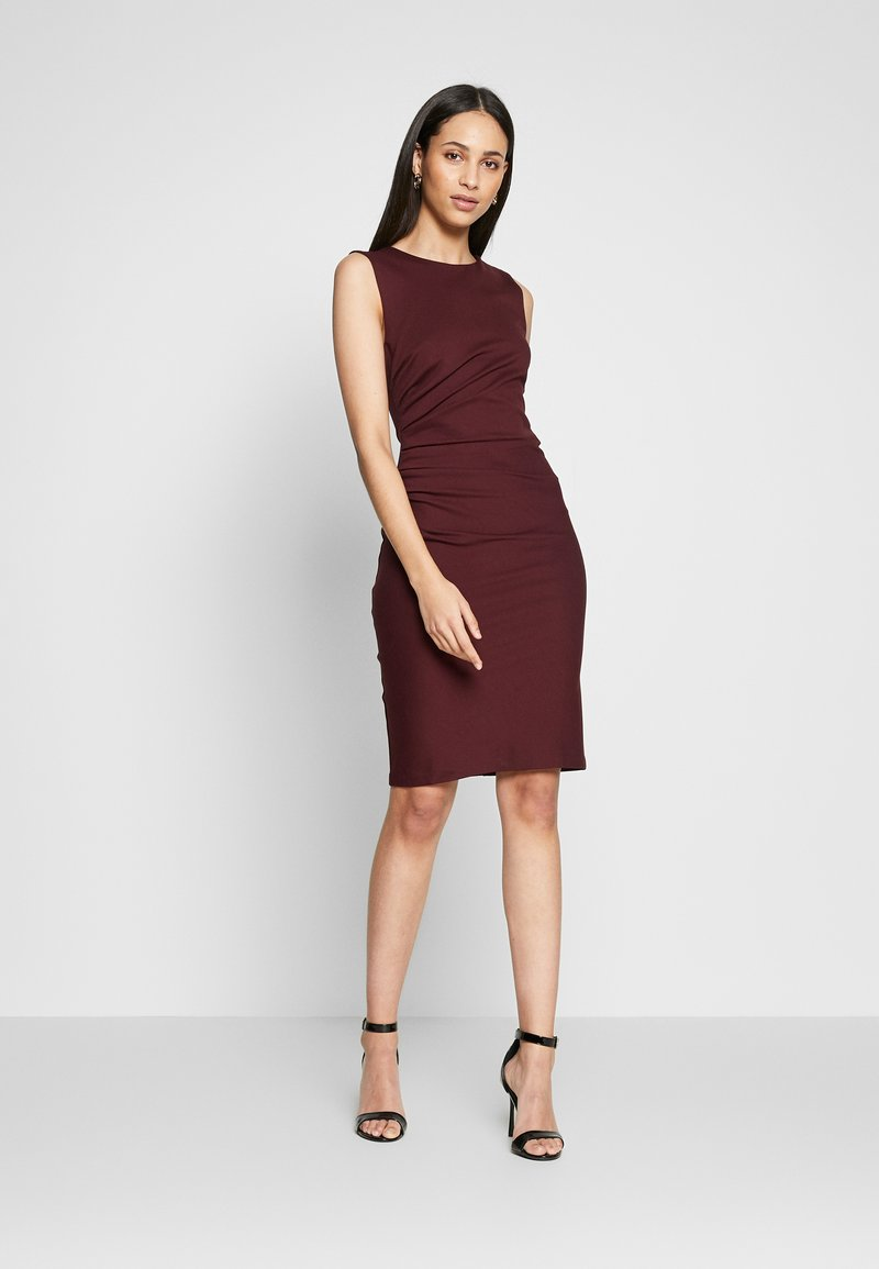 YAS Tall - YASCANE SPRING DRESS - Vestido de tubo - winetasting
