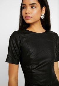 YAS Tall - YASCANE NAPLON DRESS - Sukienka etui - black - 6