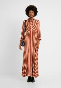 YAS Tall - YASSAVANNA LONG DRESS - Maxikjole - bombay brown/creme - 2