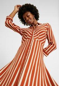 YAS Tall - YASSAVANNA LONG DRESS - Maxikjole - bombay brown/creme - 5