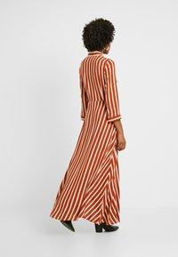 YAS Tall - YASSAVANNA LONG DRESS - Maxikjole - bombay brown/creme - 3