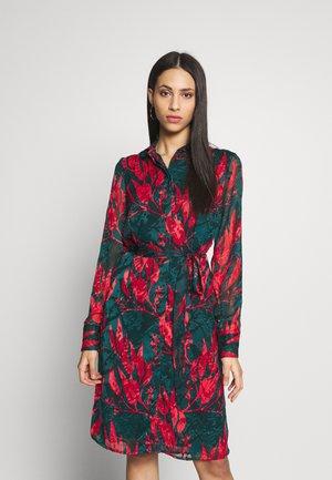 YASOPASIA DRESS - Vestido camisero - ponderosa pine