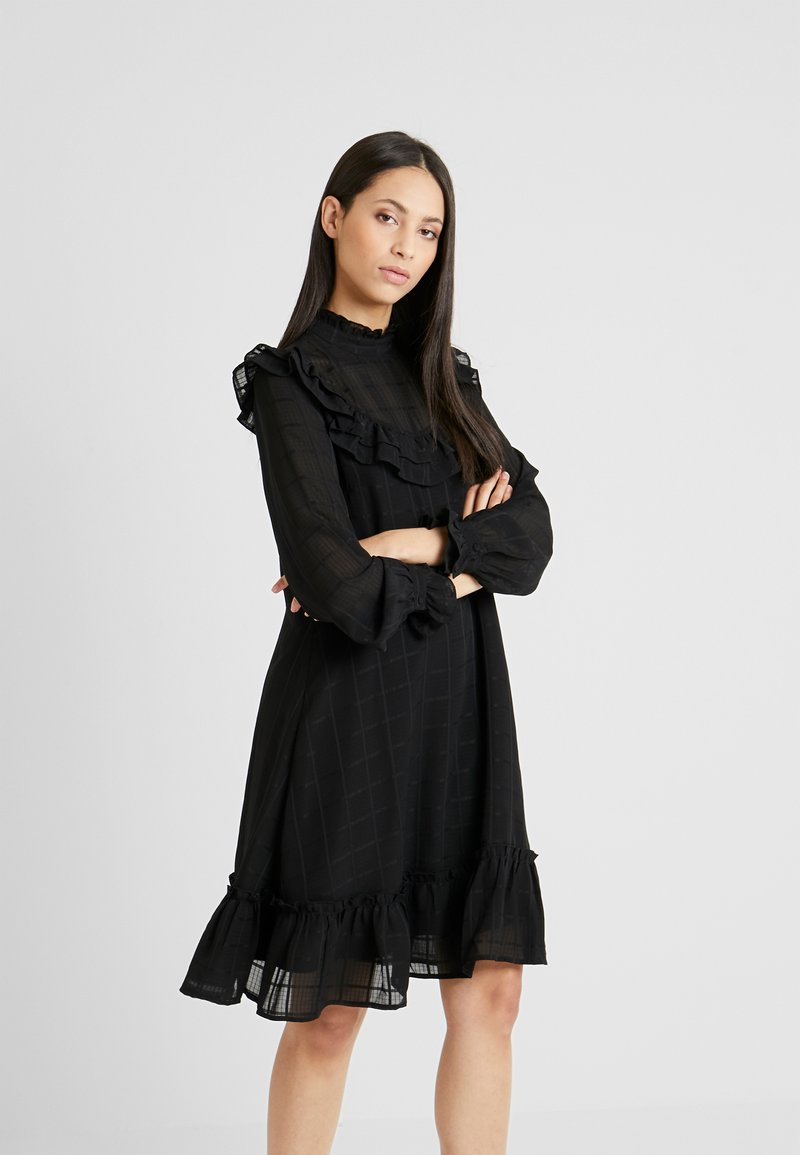 YAS Tall - YASCHECKO DRESS - Korte jurk - black