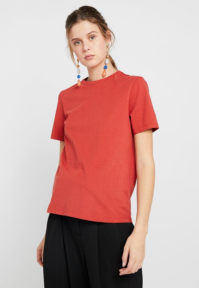YAS Tall - YASSARITA NECK TEE  - T-Shirt basic - sudan brown