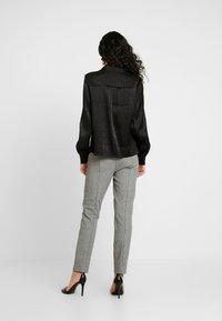YAS Tall - YASFLUXO PARTY - Button-down blouse - black - 2