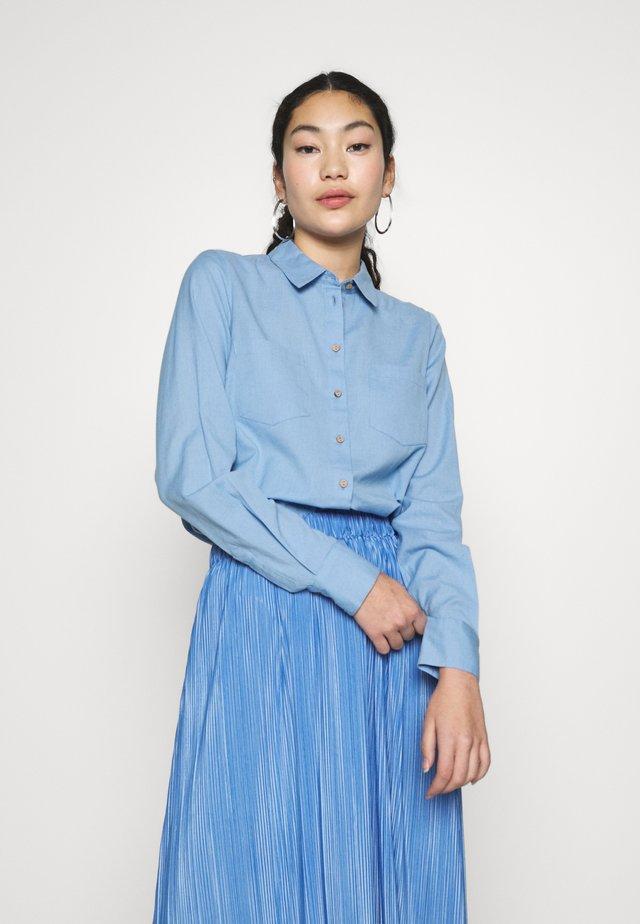 YASZIKKI - Overhemdblouse - bel air blue