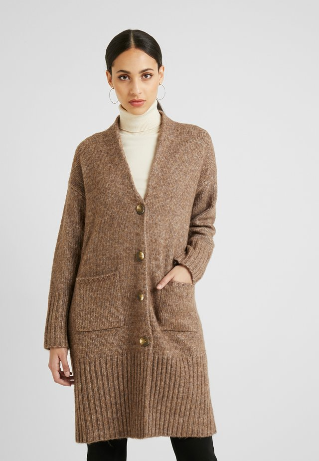 YASHARVEY LONG KNIT CARDIGAN - Strickjacke - almondine